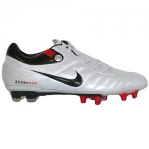 NikeAZT90SupremacyWhiteBlackRed
